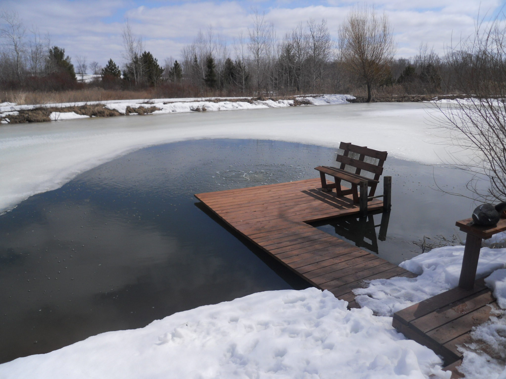 Prevent winter fish kills on ponds using aerators or for Fish pond aerator