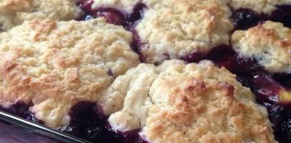 peach blueberry cobbler