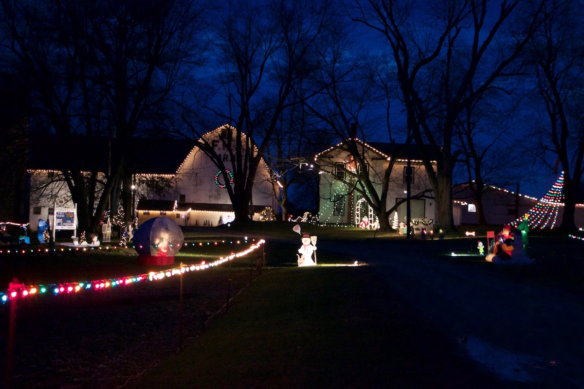 Hershey farm Christmas display: a family tradition for over 25 years - Farm and Dairy